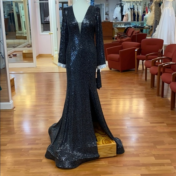 2Her2Him Dresses & Skirts - Black special occasion dress with scarf